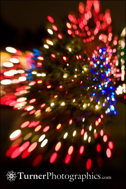 Holiday Lights with LensBaby Blur Effect