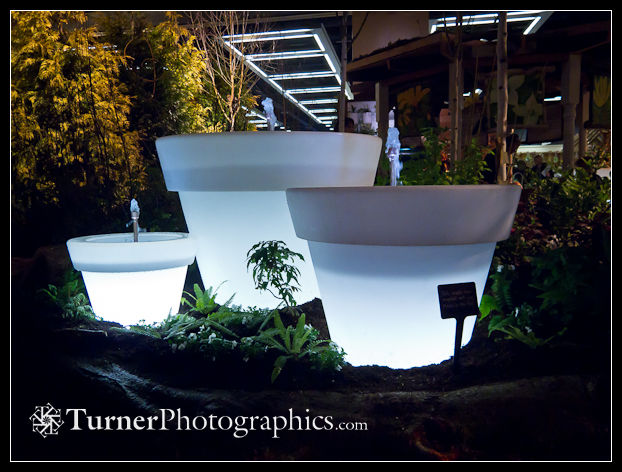 Lighted flower pot fountains