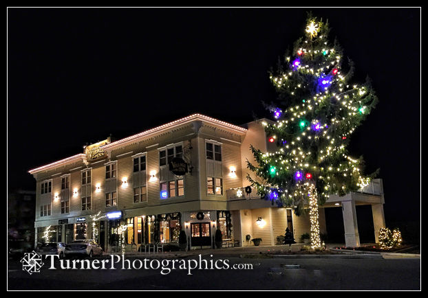 Holiday lights at Fairhaven Village Inn